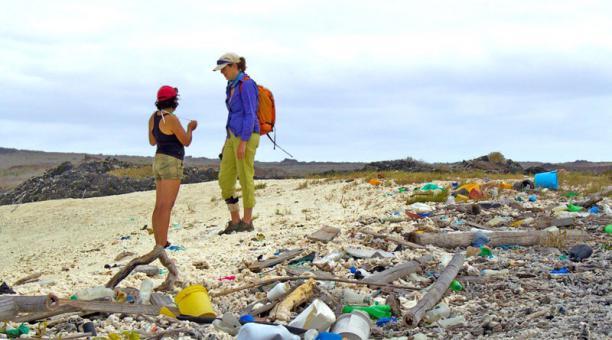 8 millones de toneladas de plástico llegan cada año al océano.