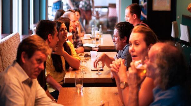 Imagen referencial. Desafiando las normas impuestas por el Estado en República Checa, los dueños de restaurantes crearon un partido político para evitar su cierre. Foto: Pxhere.