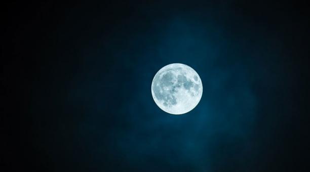Imagen referencial. El evento astronómico se podrá observar a simple vista o a través de un par de binoculares. Foto: Pixabay