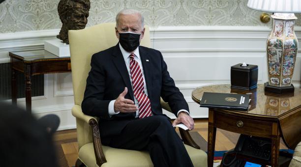 El presidente de EE.UU., Joe Biden, consideró que con la aplicación masiva de vacunas en su país, los estadounidenses volverán a la normalidad en Navidad del 2021. Foto: EFE