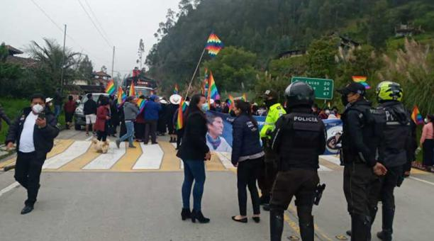 La Marcha por la Democracia llegó en la noche del miércoles 17 de febrero a Saraguro y la tarde del 18 de febrero está previsto que llegue a Cuenca. Foto: cortesía Pachakutik