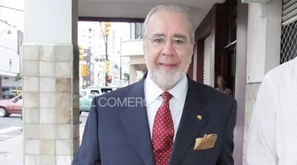 El cuerpo del expresidente Gustavo Noboa Bejarano llegará el sábado a Guayaquil, desde Estados Unidos. El funeral del exmandatario será en una ceremonia privada. Foto: Archivo/ EL COMERCIO