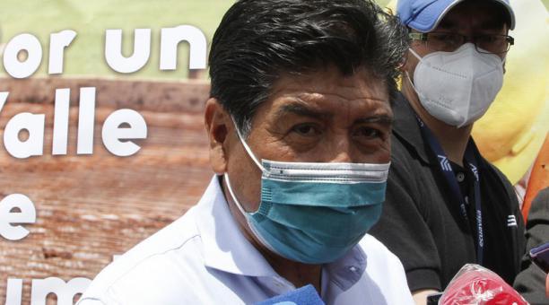 El alcalde de Quito, Jorge Yunda, dijo que comprará las vacunas contra el covid-19