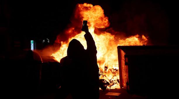 Pedro Sánchez condenó este 19 de febrero del 2021 la violencia en las manifestaciones que se han desatado en España tras la encarcelación del rapero Pablo Hasel. Foto: EFE.