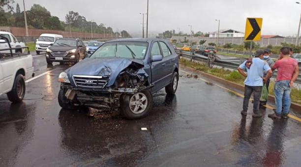 Un accidente de tránsito se registró este 19 de febrero del 2021 en la Ruta Viva. Foto: cortesía.