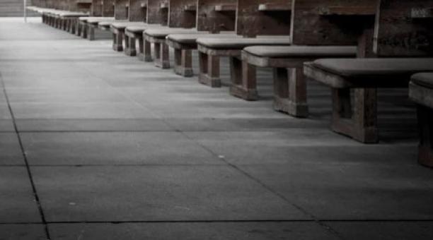 Imagen referencial. La joven fue violada cuando era una niña en una iglesia, a la que asistía con su familia. Foto: Pixabay