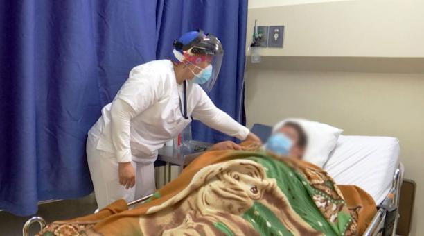 El Hospital Bicentenario de Guayaquil atiende casos de covid-19 en cuidados intermedios. Foto: Cortesía