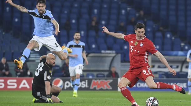 Robert Lewandowski fue figura del Bayern, en la victoria contra Lazio. Foto: EFE