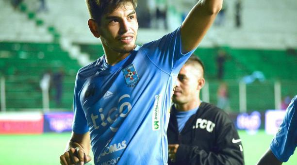 José María Carrasco con la camiseta del Blooming, su primer y último club en Bolivia. Foto: Tomado de Twitter