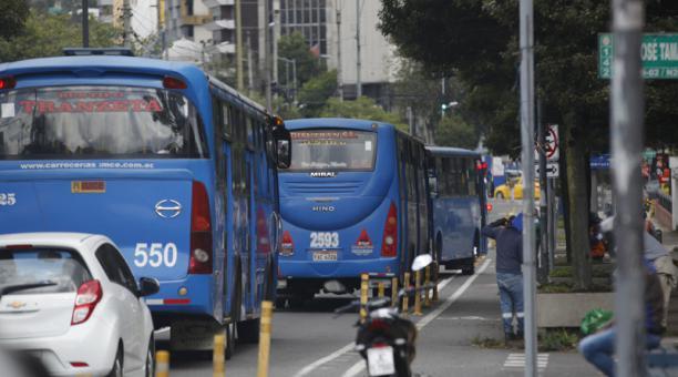 Desde el próximo 1 de marzo del 2021, las empresas que de transporte que cumplan con las mejoras podrán incrementar el pasaje a 35 centavos. Foto: Patricio Terán / EL COMERCIO