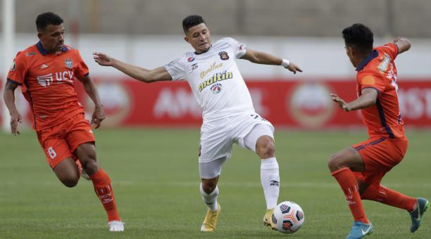 César Vallejo y Caracas igualaron en el juego de ida de la fase de repechaje de la Copa Libertadores. Foto: EFE