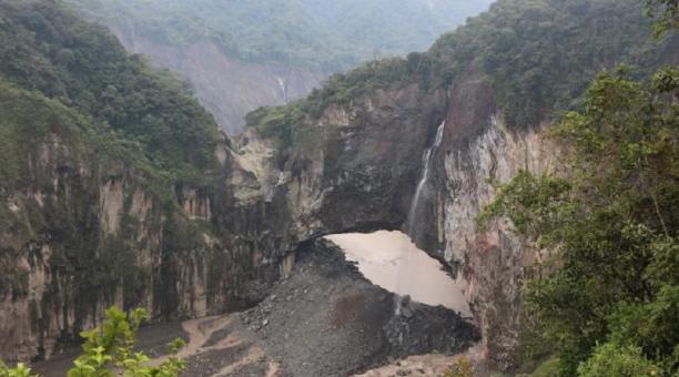 Una imagen del represamiento del Río Coca, en el oriente de Ecuador.