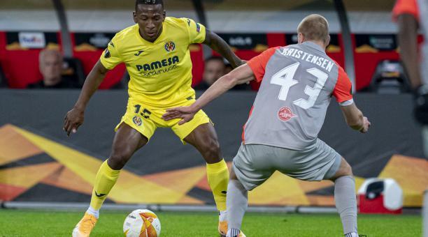 Pervis Estupiñán fue titular y figura para superar la serie de la Europa League con Villarreal. Foto: Twitter del jugador