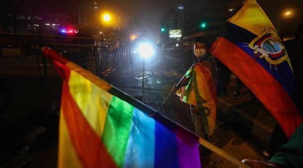 Imagen referencial. Simpatizantes del candidato presidencial indígena Yaku Pérez protestan a los exteriores del Consejo Nacional Electoral en Quito. Foto: EFE