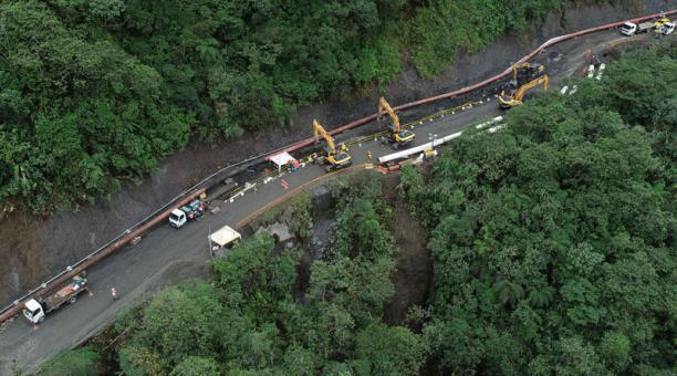 En abril del 2020,  se realizaron trabajos en el lugar donde se produjo el socavamiento del río Coca y destruyo las tuberias del SOTE, cerca al sector de lo que fue la cascada de San Rafael. Foto: Archivo/ EL COMERCIO
