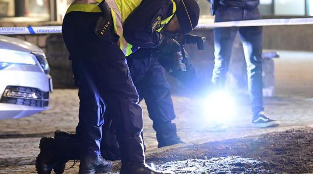 Ocho personas resultaron heridas tras el ataque registrado en Vetlanda, Suecia, el 3 de marzo del 2021. Foto: EFE