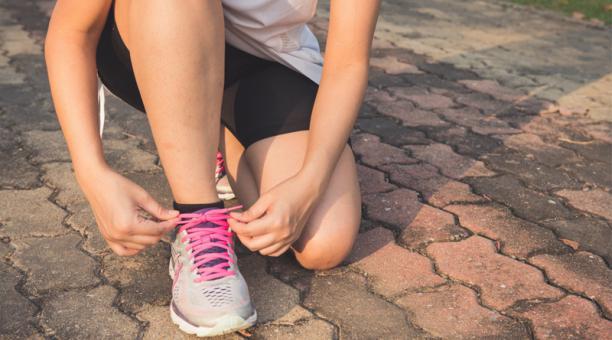 La falta de actividad física es un factor de riesgo importante para aumentar el número de personas que enferman y la mortalidad prematura, señala la OMS. Foto: Pexels