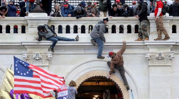 Un funcionario del Gobierno de Donald Trump fue detenido el jueves 4 de marzo del 2021 por su participación en el asalto al Capitolio el 6 de enero. Foto: REUTERS.