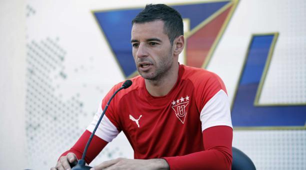 El golero argentino Adrián Gabbarini, de Liga de Quito, en una conferencia de prensa. Archivo/EL COMERCIO