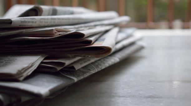 Foto referencial. Según el centro de investigación Pew Research, en el segundo trimestre de 2020 los periódicos en Estados Unidos sufrieron una caída de ingresos por publicidad del 42%. Foto: Pexels / Brotin Biswas