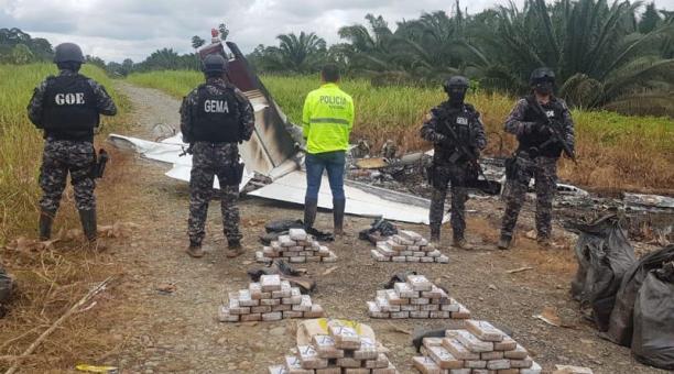 El pasado 19 de febrero, una avioneta fue hallada en una pista ilegal, en Esmeraldas.