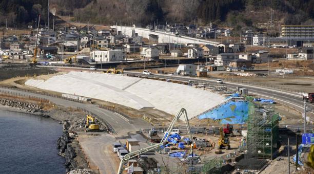 Después de 10 años del accidente en la central de Fukushima, tras un terremoto, las personas sufren enfermedades por la radiación nuclear. Foto: EFE