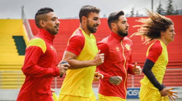 Jugadores del Aucas en una práctica. El 'Ídolo del Pueblo' se alista para jugar en la Copa Sudamericana. Foto de la cuenta Twitter @Aucas45