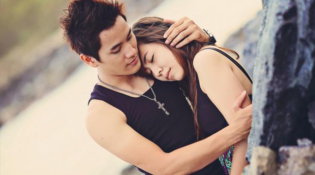 Imagen referencial. Las parejas tampoco podrán acariciarse o besarse en los lugares públicos, informó el miércoles el portavoz de la Policía Nacional de Filipinas. Foto: Pixabay