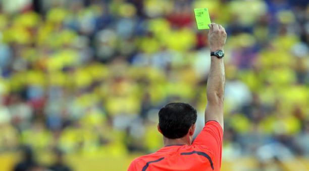 Foto referencial de un árbitro de fútbol. Archivo El Comercio