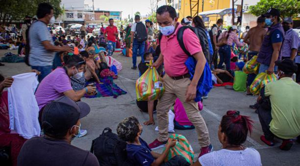 La Segunda Caravana de Solidaridad con Caminantes entregará alimentos a los migrantes venezolanos que quedaron varados en Ecuador al no poder ingresar a Perú. Foto: Cortesía