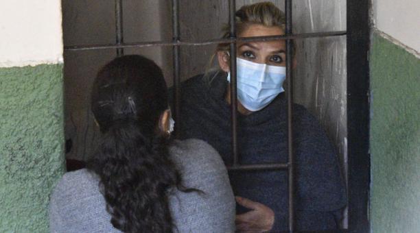La expresidenta interina de Bolivia Jeanine Áñez fue encerrada en una celda de la Fuerza Especial de Lucha Contra El Crimen (Felcc). Foto: EFE