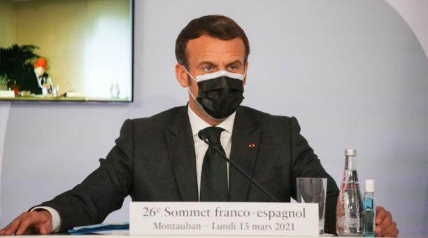 El presidente francés, Emmanuel Macron, asiste a la 26a cumbre franco-española en Montauban, sur de Francia, el 15 de marzo de 2021.