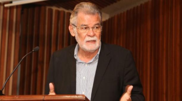 Enrique Pita, consejero del CNE, se refirió al llamado que hizo la Conaie para votar nulo en las elecciones presidenciales. Foto: Twitter Enrique Pita
