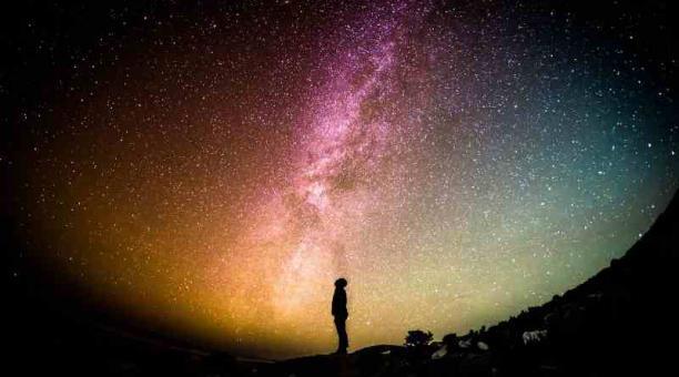 Imagen referencial: El Observatorio Astronómico de Quito anuncia que la conjunción de la Luna, Marte y Aldebarán se podrá observar a simple vista en Ecuador. Pixabay