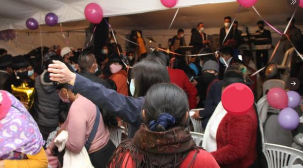 Fiestas masivas y hasta con grupos musicales fueron suspendidos en Quito, durante el fin de semana del 13 y 14 de marzo del 2021. Agentes de la Intendencia y municipales desalojaron a las personas ante el riesgo de covid-19. Foto: Twitter Intendencia de P