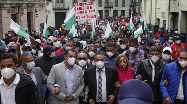 Autoridades locales han protestado por atrasos en las asignaciones fiscales. Foto: Archivo / EL COMERCIO