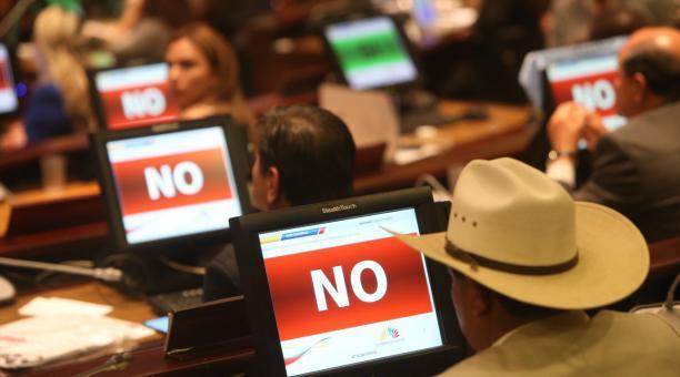 Imagen referencial. De entre 129 asambleístas presentes en la sesión 696 del Pleno en modalidad virtual, solo 49 votaron a favor de eliminar el Cpccs. Foto: Archivo / EL COMERCIO