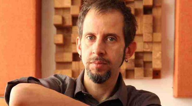 Sergio Sacoto ofrecerá un concierto virtual en el que interpretará nuevas canciones y composiciones antiguas. Foto: cortesía Sergio Sacoto.