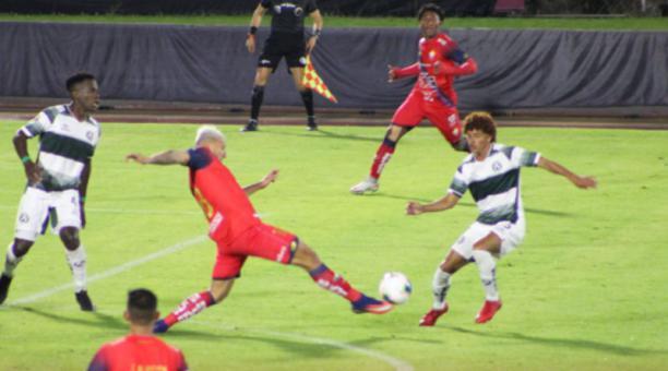 En el estadio Atahualpa por la Serie B se enfrentaron América y El Nacional el 18 de marzo del 2021. Foto de la cuenta Twitter @elnacionalec