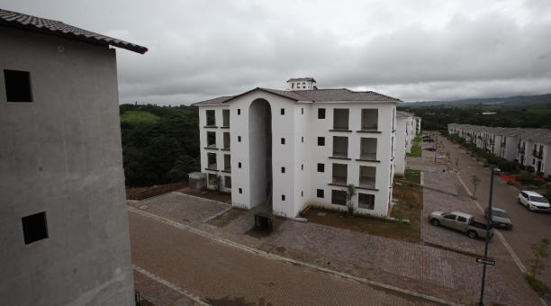 La Asociación de Promotores Inmobiliarios de Vivienda del Ecuador registró el año pasado en Guayaquil un decrecimiento en contratos para nuevas construcciones de casas del -21,6% con respecto al 2019, según un reporte de los asociados publicado el 5 de ma