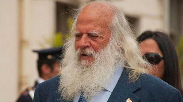 Vincenzo Agostino, padre el joven policía asesinado, nunca dejó de exigir verdad y justicia y ha dejado crecer su larga barba blanca hasta que la consiga del todo. Foto: www.palermotoday