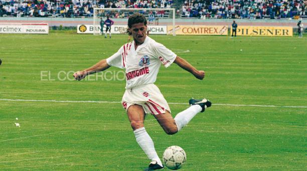 Carlos Ernesto Berrueta con la camiseta de LDU. Foto: Archivo / EL COMERCIO