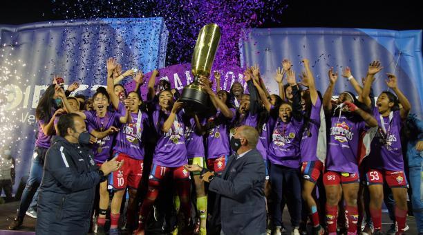 El Nacional se coronó campeón del torneo 2020. Foto: Twitter Superliga femenina