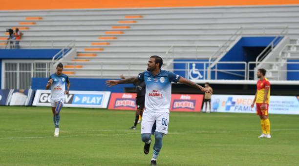 Martín Alaniz anotó el gol con el que Manta abrió el marcador ante Aucas. Foto: Twitter Manta