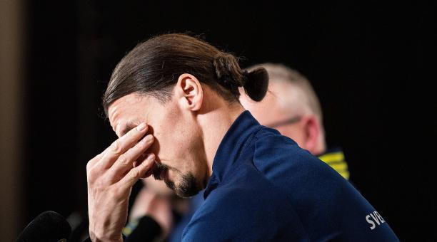 Zlatan Ibrahimovic lloró en plena conferencia de prensa, en su retorno a la Selección de Suecia después de cinco años. Foto: Tomada de Twitter