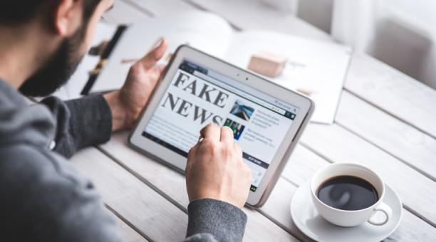 Imagen referencial. La constante exposición a información en Internet y redes sociales, sobre todo, noticias falsas y alarmantes,  puede ocasionar estrés, angustia y ansiedad.  Foto: Pixabay