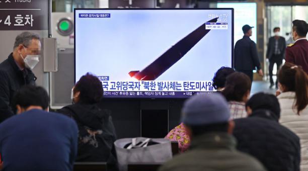 Corea del Norte lanzó un misil el jueves 25 de marzo del 2021 y generó alerta en Corea del Sur y EE.UU. Foto: EFE