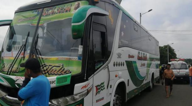 Una madre y su hija resultaron heridas este 25 de marzo del 2021 tras haber sido atropelladas por un bus en Portoviejo. Foto: El Diario (Manabí).