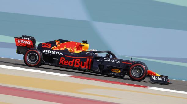 Max Verstappen fue el más rápido en las primeras pruebas libres del Gran Premio de Baréin. Foto: EFE