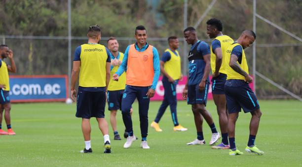 Fidel Martínez es uno de los atacantes que busca espacio en el equipo dirigido por el entrenador Gustavo Alfaro. Tomado de La Tri